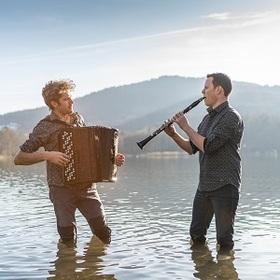 Duo [:klak:] - MUSIKALISCHES ABENTEUER VON JAZZ BIS VOLKSMUSIK