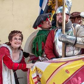 Bild: Staufener Zeltreise - Theater, Tanz, Musik, Feuer & Kostüm- und Stoffmarkt