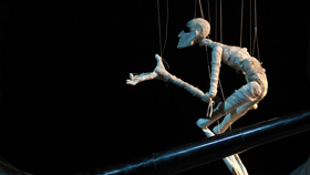 Bild: Hotel de Rive - Giacomettis horizontale Zeit - figuren theater tübingen