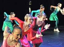 Bild: Tanz-Tummelplatz - für Jugendliche und Erwachsene