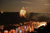 Bild: Rhein in Flammen St. Goar - Schiffahrt mit Feuerwerk auf der MS Eureka inkl. Buffet (DJ)