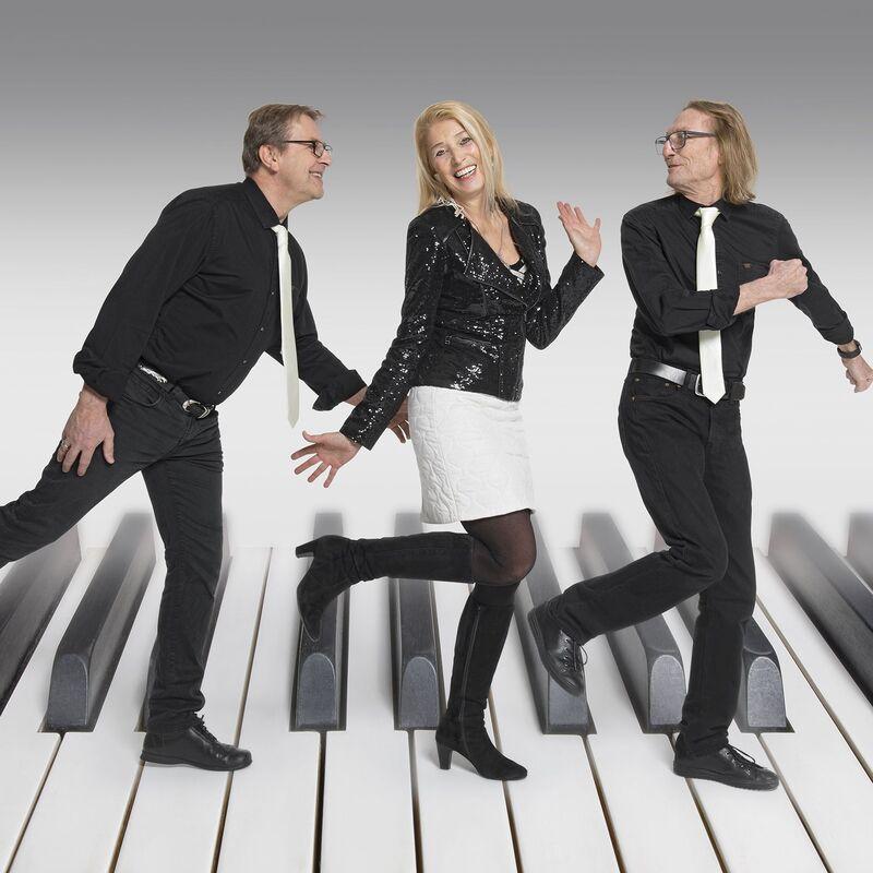 Hildegard Pohl Trio - SWING ME AMADEUS!