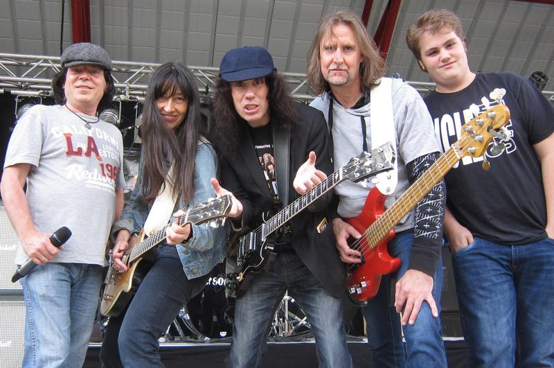 AM/FM - The AC/DC-Show