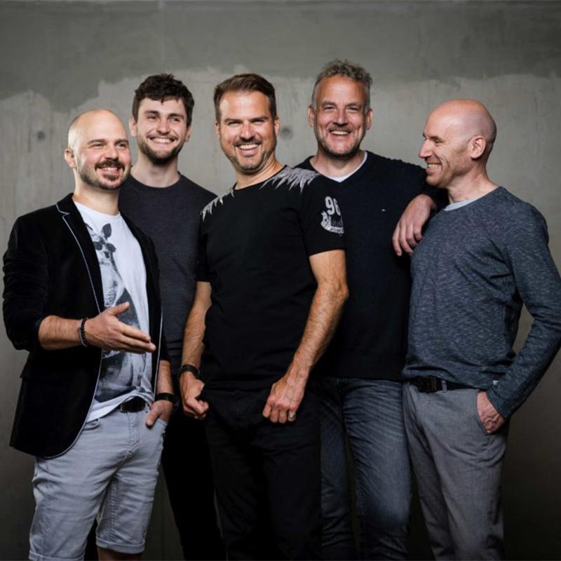 Alte Bekannte | Bunte Socken - Tour 2021/22 - Berlin*