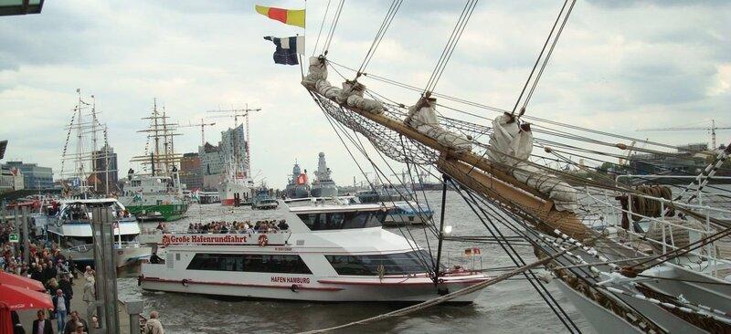 Auslaufparade zum Hafengeburtstag 2021 - 2-2,5-stündige Begleitfahrt