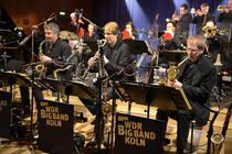 Bild: Drum World - WDR Big Band feat. Mokhtar Samba, Billy Cobham & Band