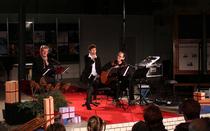 """Bild: Gaby R�ckert, Ingo Koster & Klaus Feldmann - """"Alle Jahre wieder"""" - Weihnachtliches Konzert - Premiere im Boulevardtheater Dresden"""