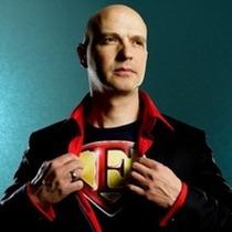 Bild: EHE-M�N - Superhelden f�r den Hausgebrauch! - Kabarett mit Carsten H�fer