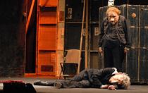 Bild: Teatro Delusio - Ein St�ck von Familie Fl�z