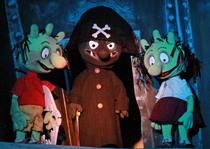 Bild: Die Olchis und der schwarze Pirat - pr�sentiert von den Kammerpuppenspielen Bielefeld