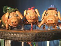 Bild: Die drei kleinen Schweinchen - Figurentheater f�r Kinder ab 3 Jahren