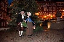 """Bild: Weihnachtliche Stadt(Ver)F�hrung 2016 - Kost�mf�hrung """"O du Goethliche..."""""""
