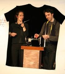Bild: S3 I Verflixt und zugen�ht - Ein N�hmaschinen-Theater mit Papier