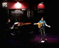 Bild: Mike Janipka - Das Konzert, Schokoladenpapier und Neueres