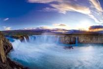 """Bild: """"Island"""" von Stefan Erdmann - pr�sentiert vom PLANETVIEW-Team mit Andreas Pr�ve"""