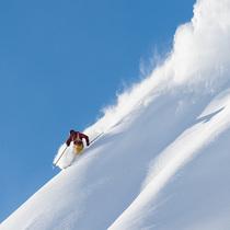 Bild: Snowtime: Freeride-Filmnacht - Berggipfel. Tiefschnee. Adrenalin.