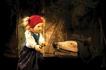 """Bild: Puppentheater Spectakulum zeigt: """"Weihnachtsrotk�ppchen"""" - Theater mit Handpuppen nach einem M�rchen der Br�der Grimm  ab 3 Jahre"""