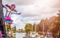 Bild: KULT Touren - mit Dragqueen Gina Solera ins Oldenburger Nachtleben