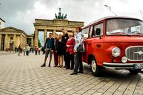 """Bild: Stadtrundfahrt - Tour 2 """"Ost Berlin Spezial"""" - Curry Tour"""