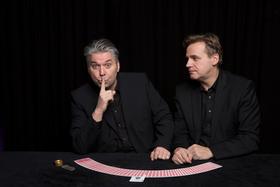 Bild: Nicht Blinzeln I - Black Table Zaubershow