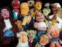 Bild: Puppenauflauf - köstlich garniert, ein Abend mit skurrilen, schrägen Figurentheaterszenen mit lukullischen Köstlichkeiten