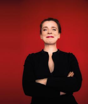 Bild: Tina Teubner - Stille Nacht bis es kracht - Lieder, Kabarett, Unfug zur Weihnachtszeit