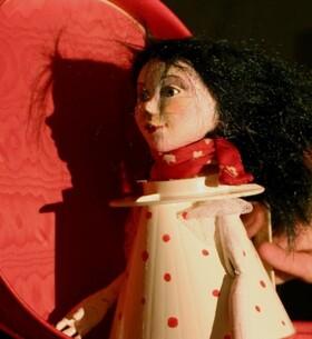Bild: Schneewittchen - Gastspiel: Figurentheater Miriam Paul, Braunschweig