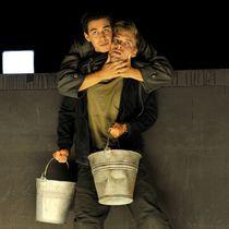 Bild: Krieg - stell dir vor, er w�re hier - von Janne Teller - Theater Heilbronn