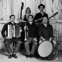 Bild: Fei Scho - Alpie Weltmusik aus M�nchen - unberechenbar und unerh�rt