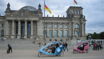 Bild: Velotaxi-Tour Das historische Berlin / The historic Berlin - Velotaxi-Tour Das historische Berlin / The historic Berlin