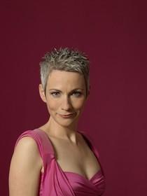 Bild: Tina H�ussermann - Futschikato - Kabarett. Musik. Selbstverteidigung.