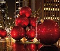 Bild: Frohe Feste - Eine schr�ge und schrille Weihnachtskom�die von Sir Alan Ayckbourn