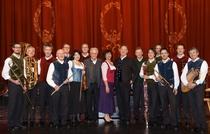 Bild: Opern auf  Bayrisch - Carmen Zauberfl�te Holl�nder