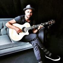 Bild: MIC DONET - Love is Now Acoustic Tour