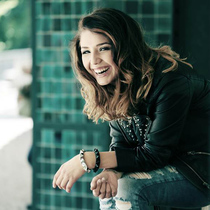 Bild: After-Work meets Charts 2016 unplugged - YouTube-Star. Nicole Cross. Live.