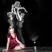 Bild: M�rchen Erwachsen - ein artistisches Abenteuertheater - Cirque Nouveau