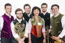 Bild: Bayrische Weihnacht mit Conny Glogger und der munich brass connection - Literarisch-musikalischer Advent