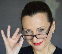 Bild: Frau Professor Elisabeth Heinemann - K�S-Premiere  Die digitale Leichtigkeit des Seins