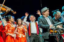 Bild: Heimatlieder Allstars - mit Antonio de Brito (Trio Fado), Youssef Belbachir (la Caravane du Maghreb), Sandra Stupar (Ethnogruppe Gora), Minh Thang (Dao
