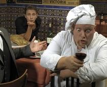 Bild: Comedy Dinner - Zwei Hochzeiten und ein Todesfall