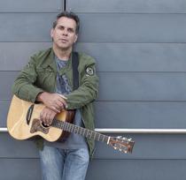 Bild: Biber Herrmann - Singer/Songwriter-Poesie, virtuoser Fingerstyle-Gitarrist und akustischer Blues