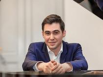 Bild: Meisterwerke von Beethoven und Tschaikowski - Klavier-Recital mit Pianist Peter Naryshkin
