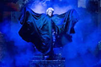 "Bild: HANS KLOK - in ""House of Mystery"""