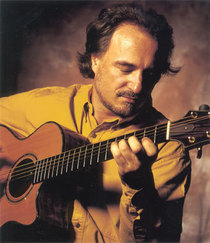 Bild: Peter Finger - Gitarren-Virtuose & -Verleger
