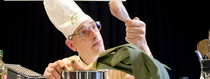 Bild: Wer kocht, schießt nicht - Eine Koch-Satire von Michael Herl