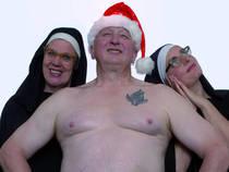 """Bild: Crunchy X-mas - Weihnachten f�r Randgruppen mit der """"Hebeb�hne"""""""