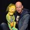 Bild: BENJAMIN TOMKINS ... der Puppenflüsterer - King Kong und die weiße Barbie